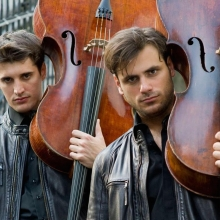 Необычный концерт проекта 2Cellos